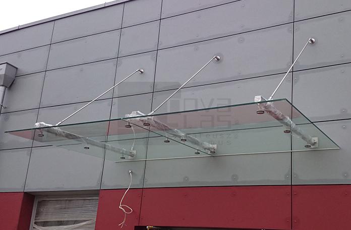 Daszek szklany typu MW STARK w Bielsku-Białej