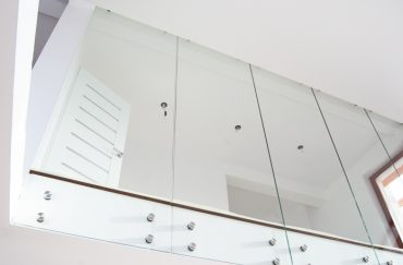 13_15 balustrada MASTER POINT na ścianie Tychy